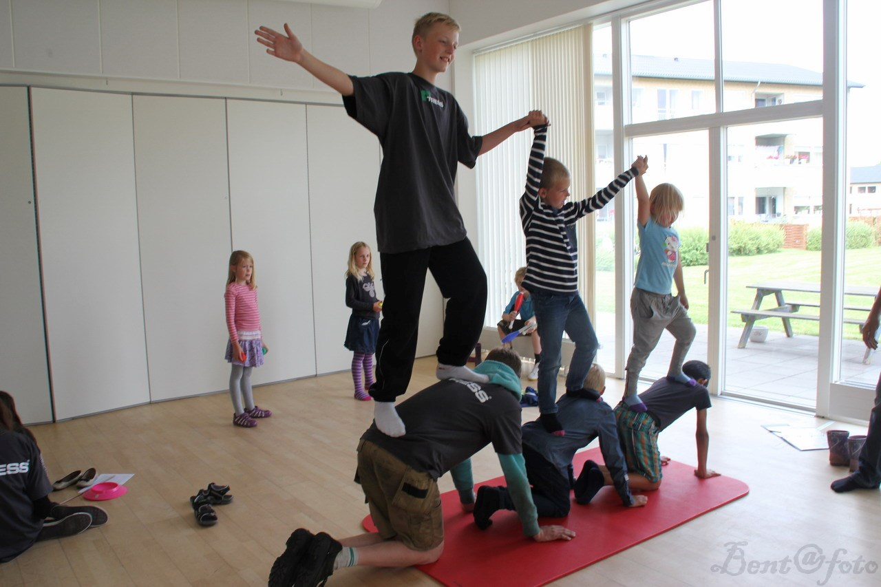 Akrobatik, gøgl og andre cirkustricks!